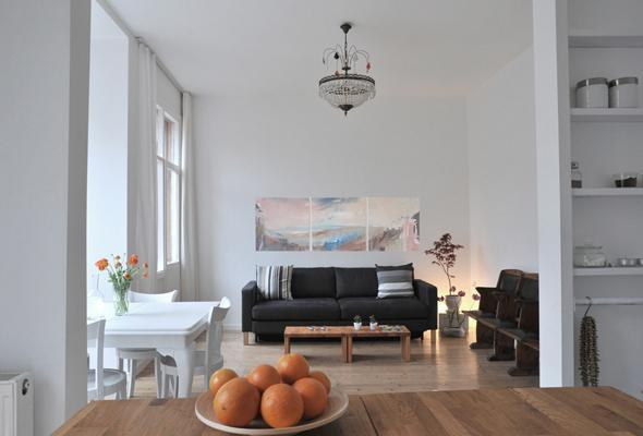 Living room with studio couch - Living Istanbul  - Quiet & central 2 bedroom condo - Istanbul - rentals