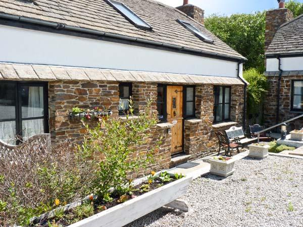 WILLOW COTTAGE, family friendly, character holiday cottage, with a garden in Goonhavern, Ref 7919 - Image 1 - Cornwall - rentals
