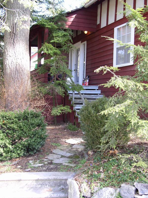 Dogwood is one of our larger cottages and it's 2 floors sleeps 8. - Dogwood Cottage - Flat Rock - rentals
