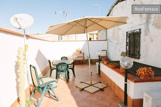 Ortigia - 1 bedroom apartment with private terrace - Image 1 - Syracuse - rentals