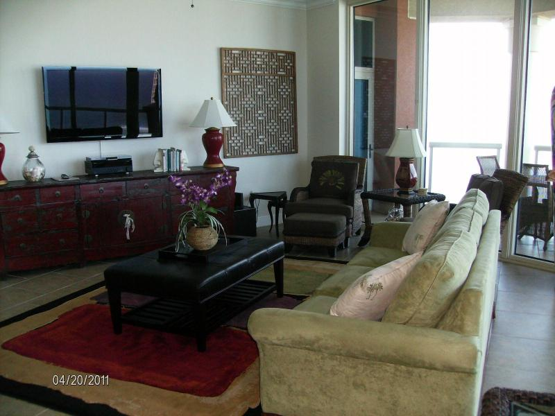 Living Room - 2104D Amazing Portofino Luxury Vacation -PENTHOUSE - Pensacola Beach - rentals