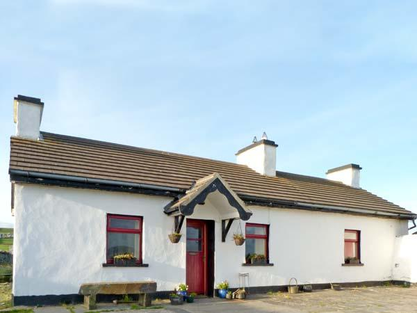 TIGIN, pet friendly, character holiday cottage, with open fire in Liscannor, County Clare, Ref 4667 - Image 1 - Liscannor - rentals