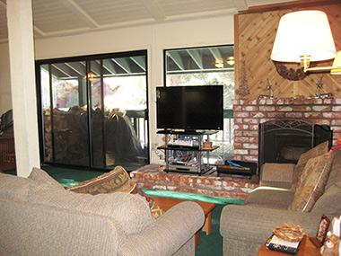 Living Room and Flat Screen TV - Sherwin Villas - SV44E - Mammoth Lakes - rentals