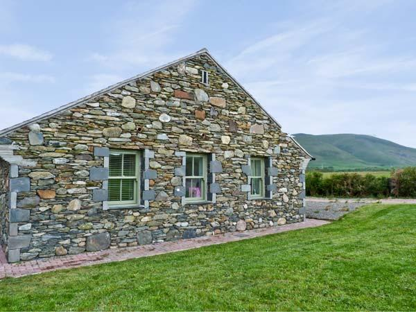 STANDING STONES COTTAGE, family friendly, luxury holiday cottage, with a garden in Kirksanton, Ref 8041 - Image 1 - Kirksanton - rentals