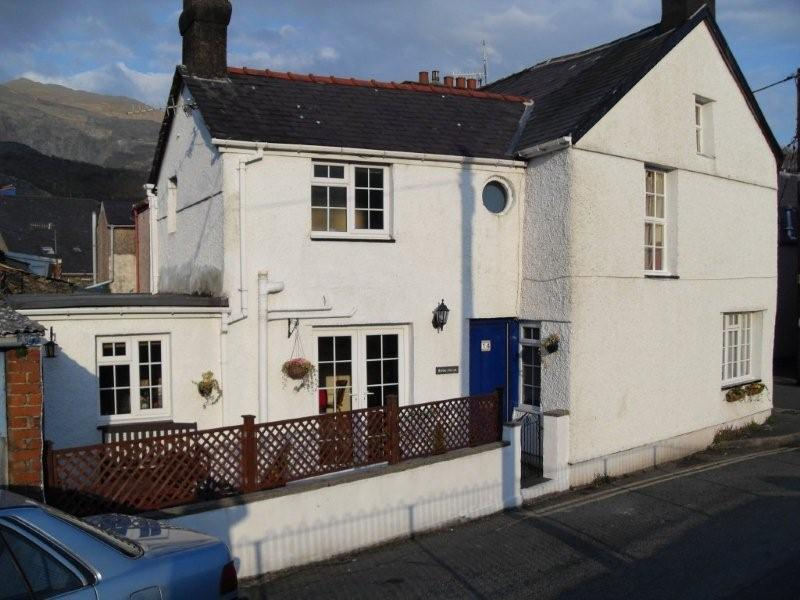Ripon House, an end-terraced, characterful, south facing cottage. - 3 bedroom characterful house in heart of Snowdonia - Llanberis - rentals