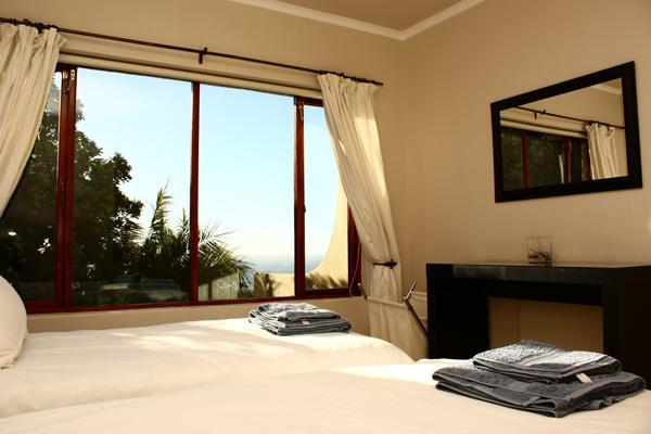 Bedroom 5 with sea and garden views - 17 Ravensteyn Road - Cape Town - rentals