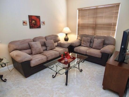 Living Area with Flat Screen TV - CL4P5365DRD 4 BR Amazing Pool Home with Privacy Fence - Kissimmee - rentals