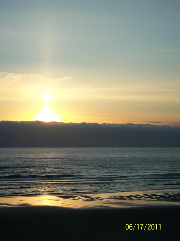 This could be your picture or just sit and watch the sunset. - Oceanfront - Rockaway Beach - rentals