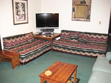 Living Room and Flatscreen TV - Sherwin Villas - SV61G - Mammoth Lakes - rentals