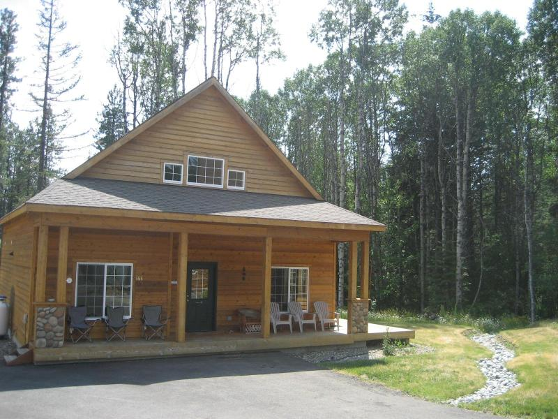 Front of Cabin in Summer - Exceptional Value Near Suncadia - Roslyn - rentals