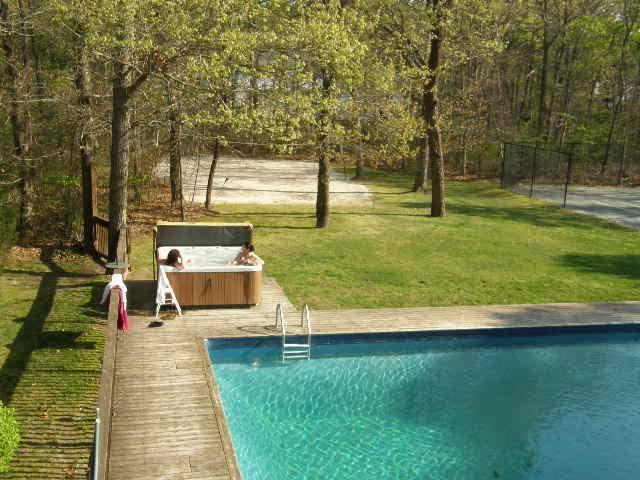 Back yard, hot tub , pool, volleyball - Great Vacation Home in the Hamptons - East Quogue - rentals