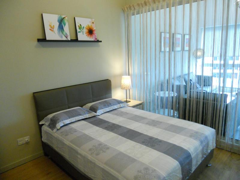 American-sized Super Queen real bed - very comfortable - Perfect for 2 in the city center!! (near LRT) - Kuala Lumpur - rentals
