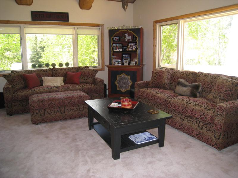 Living room - Elegant Vail Home -  Minutes From Vail Village - Vail - rentals
