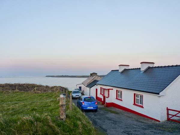 CLOONAGH COTTAGE, with open fire in Grange, County Sligo, Ref 8484 - Image 1 - Grange - rentals