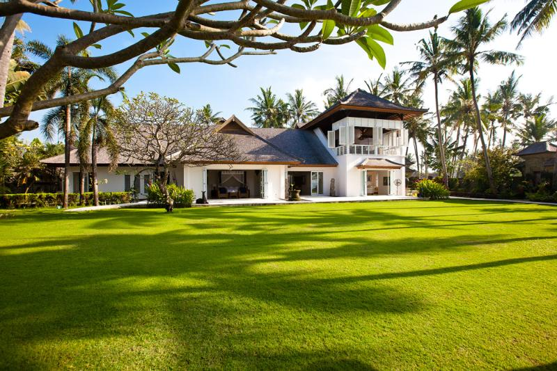 Colonial-style mansion villa Puri Nirwana - Pay 3 / stay 4 night!Beachfront villa Puri Nirwana - Sanur - rentals