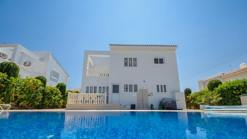OV056 BOOK NOW for 2015 & SAVE UPTO 30% - CALL NOW - Image 1 - Famagusta - rentals