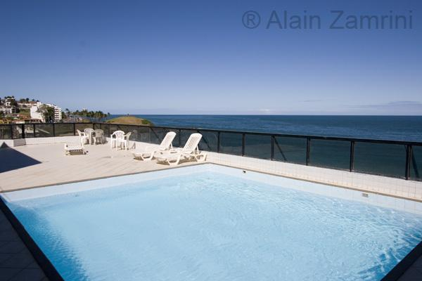 rooftop pool w panoramic view on the beach - UPSCALE BEACHFRONT one bedroom apartment in Barra - Salvador - rentals