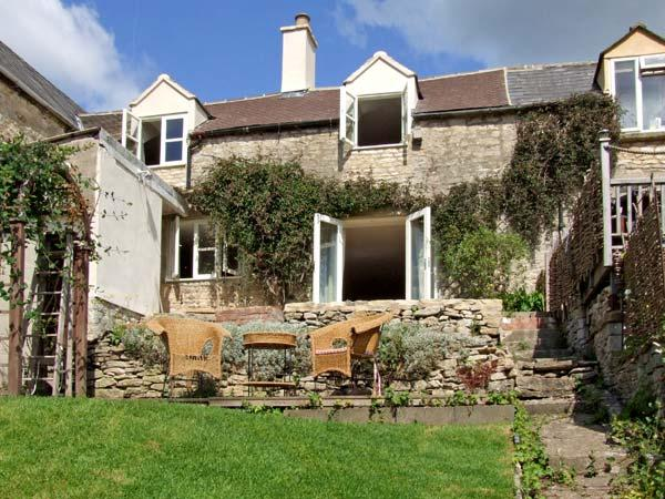 GLEN VIEW COTTAGE, pet friendly, character holiday cottage, with a garden in Swells Hill, Ref 6435 - Image 1 - Nailsworth - rentals