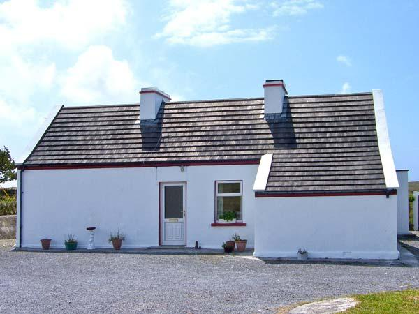 CARNA COTTAGE, pet-friendly, with a garden in Carna, County Galway, Ref 7943 - Image 1 - Carna - rentals