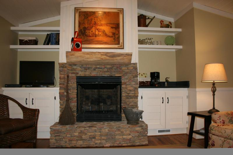 Romance by the Fireplace! - Dinner From The Orchard Served To Your Private Porch - Cashiers - rentals