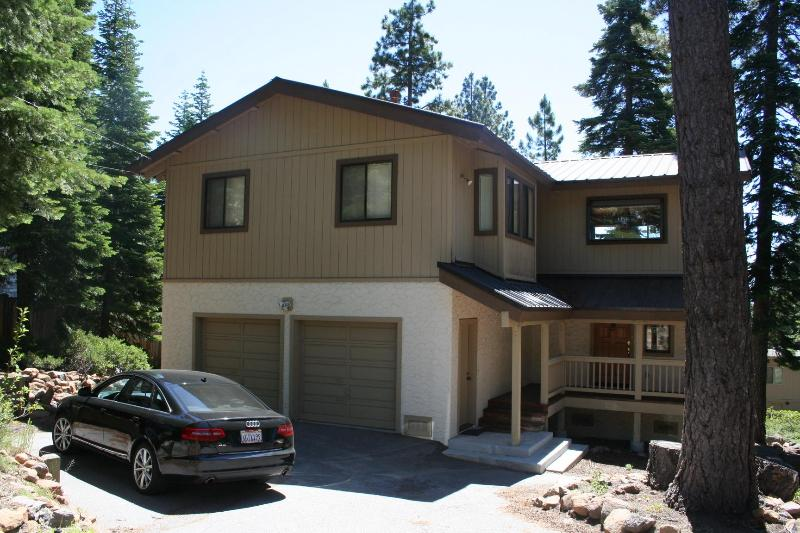 Link Tahoe House - Furnished 4BR/2.5BA Vacation Single Family House - Tahoe City - rentals