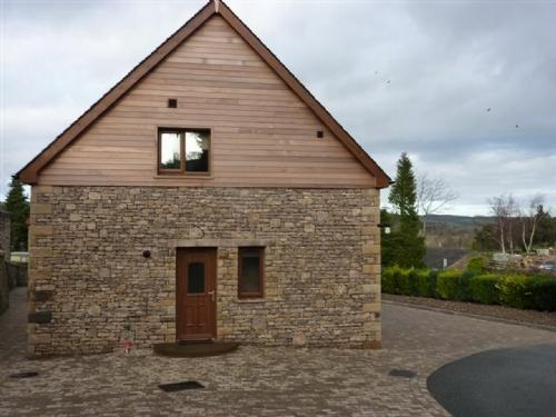 ELDERBECK LODGE, Pooley Bridge Holiday Park, Ullswater - Image 1 - Pooley Bridge - rentals