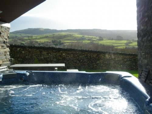 BANK END LODGE, (Hot Tub), Grizebeck, Kirkby in Furness, South Lakes - Image 1 - Kirkby in Furness - rentals