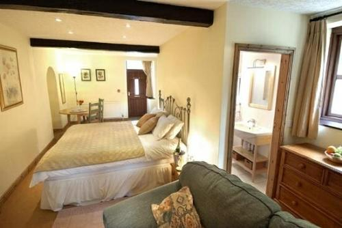 BLUEBELL STUDIO, Forest of Bowland, Lancashire - Image 1 - Forest of Bowland - rentals
