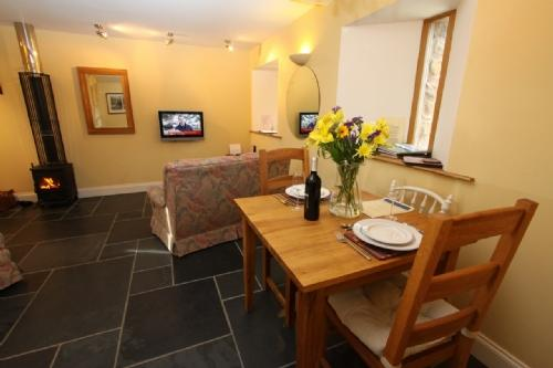 CORN RIGG COTTAGE, Ousby, Nr Penrith - Image 1 - Ousby - rentals
