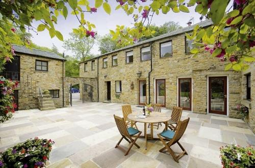 CURLEWS NEST, Forest of Bowland, Lancashire - Image 1 - Forest of Bowland - rentals