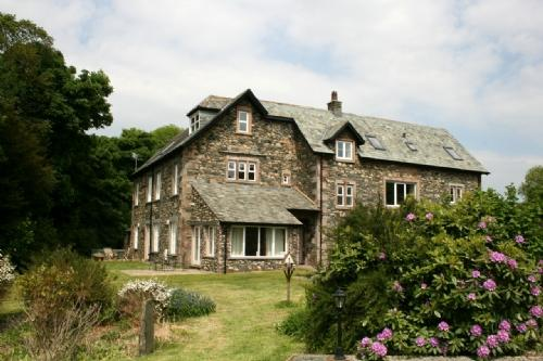MAPLE COTTAGE, Fieldside Grange, Keswick - Image 1 - Keswick - rentals
