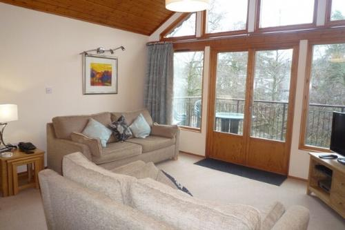 KESWICK BRIDGE 10, 2 Bedroomed, Keswick, Christmas week - Image 1 - Keswick - rentals