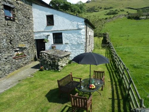 THE BOTHY, Staveley, Nr Windermere - Image 1 - Staveley - rentals