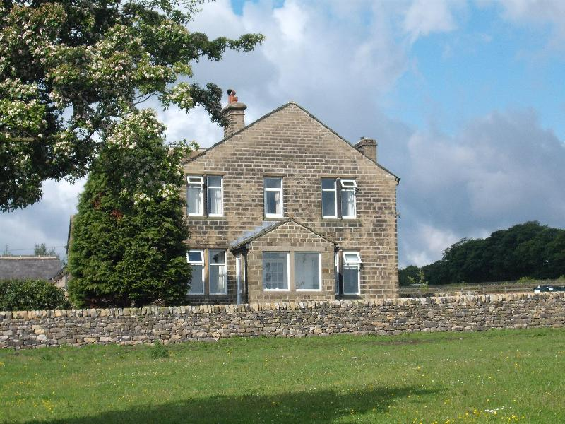 Quality holidays at Grey Scar View Cottage, enjoy peace, tranquilty and great days out - Grey Scar View Holiday Cottage - Haworth - rentals