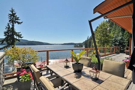 Spectacular views from the main deck. - Spectacular 3 Bedroom North Vancouver Executive Water View Home - North Vancouver - rentals