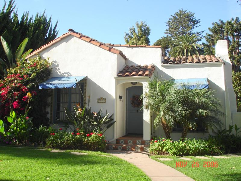 Charming Colonial Spanish Cottage - Romantic Hide-Away in West Beach - Santa Barbara - rentals