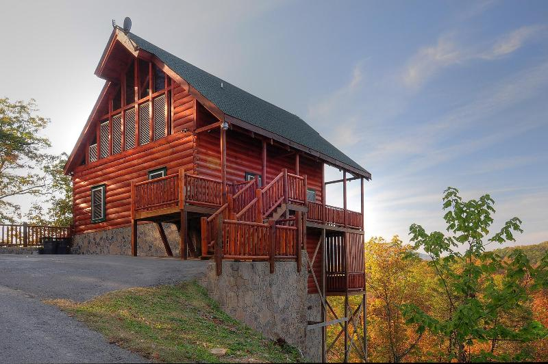 Beautiful Log Cabin  with View - Dancing Deer~Alone On Mountain Point,wTheater/WIFI - Pigeon Forge - rentals