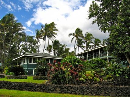 Hamoa Beach Cottage and Main Plantation House - Romantic Luxurious Hana Oceanfront Cottages - Hana - rentals