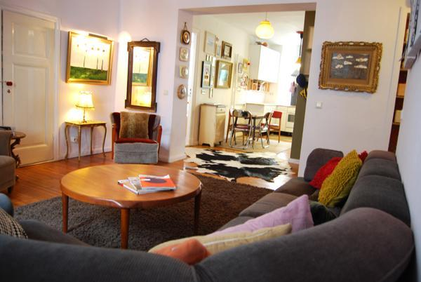 the lounge room opens to the kitchen - The Berlin Artist Apartment - Berlin - rentals