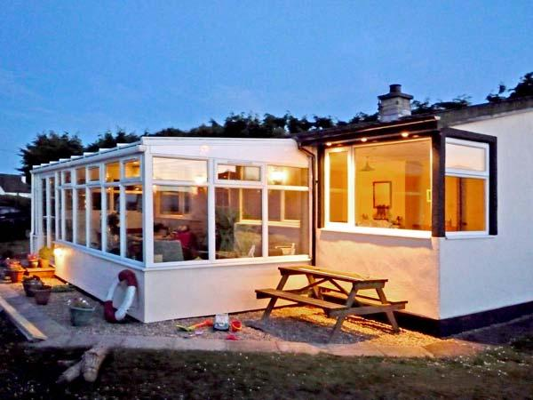 KOULOURA, pet friendly, with a garden in Southerness, Ref 7666 - Image 1 - Southerness - rentals