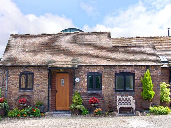 RICKYARD COTTAGE, romantic, character holiday cottage, with a garden in Leighton, Ref 8402 - Image 1 - Ironbridge Gorge - rentals