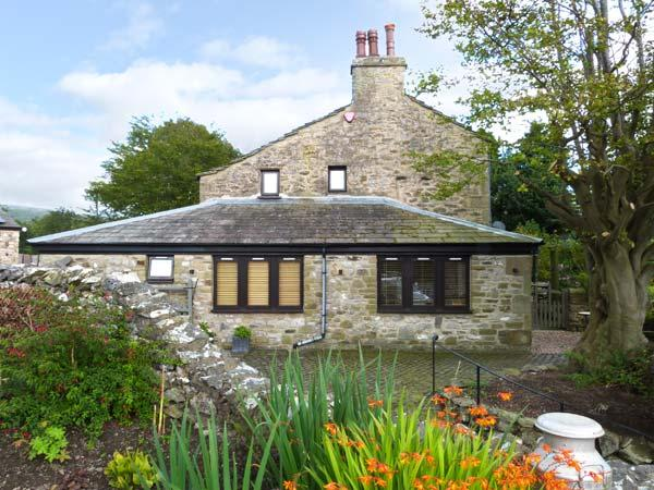 THE FRIENDLY ROOM, luxury holiday cottage, with a garden in Austwick  , Ref 6441 - Image 1 - Austwick - rentals