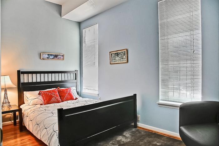Bedroom with Queen Bed - Perfect Location, Bright and Airy, DuPont / Logan - Washington DC - rentals