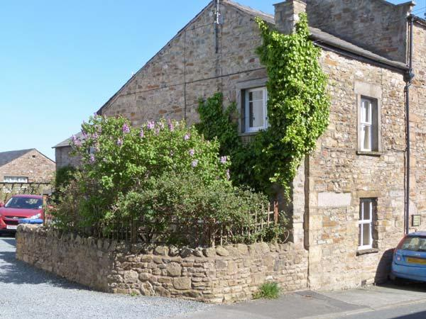 JOINERS ARMS, romantic, luxury holiday cottage, with a garden in Burton-In-Lonsdale, Ref 5269 - Image 1 - North Yorkshire - rentals
