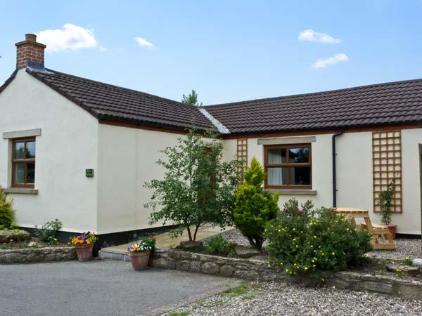 ROSE COTTAGE, pet friendly, country holiday cottage, with a garden in Caldwell, Ref 6871 - Image 1 - Barnard Castle - rentals