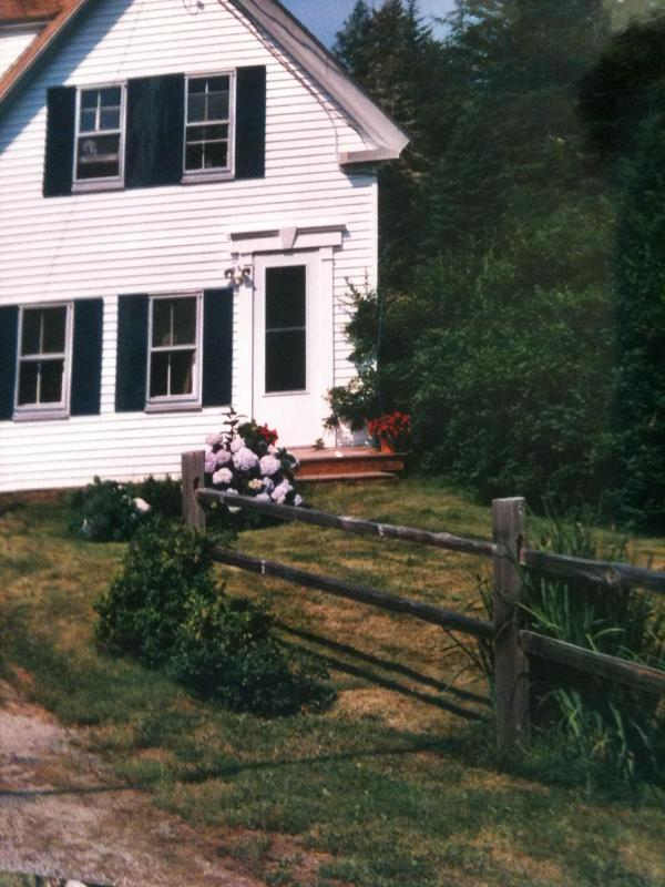 Front of house (partial view) - Hackmatack Farm - Brooklin - rentals