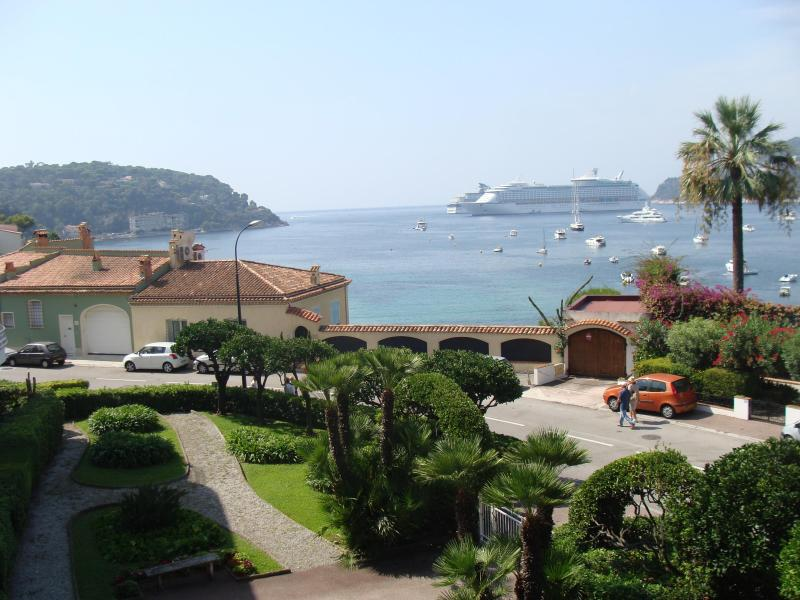 View from living - Cote d'azur unique seaview 2 bedroom A/C condo - Saint-Jean-Cap-Ferrat - rentals