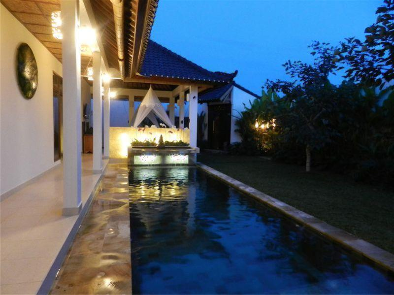 Pool at night - Villa Romantica -set in romantic rice fields -Ubud - Ubud - rentals