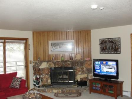 Great room view from entrance - 2 Bedroom/2 Bath Condo in Wildernest - Silverthorne - rentals