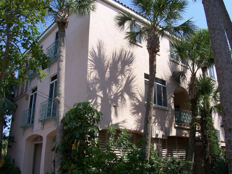 3 Bedroom, 2.5 Bath Spanish Villa - The Shells Villa - Next to Beach & Village - Siesta Key - rentals